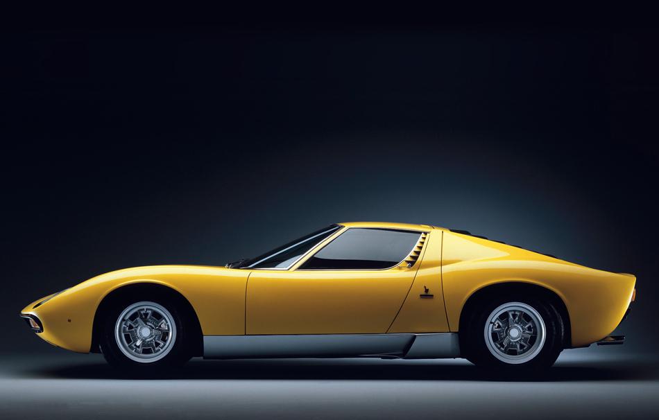 Lamborghini Miura  Lifestyle - Top 10 Iconic Supercars Lamborghini Miura 01
