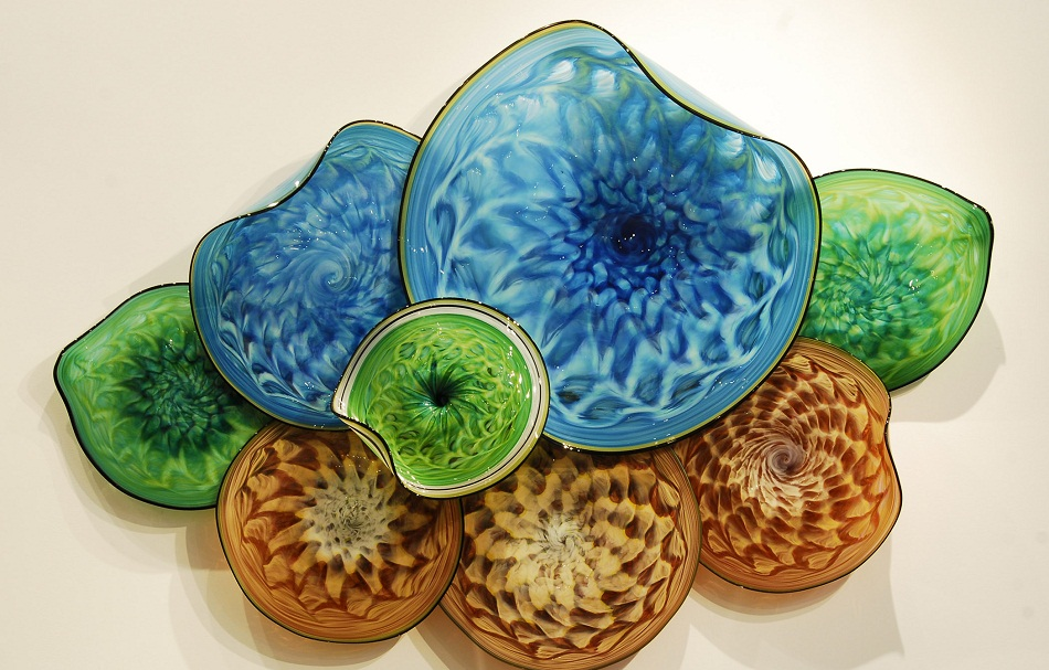 """""""Thomas Long has been blowing glass for more than 25 years. His specialization is large sculptures to embellish residential and commercial environments.""""   Art of glass by Thomas Long at AD show 2013 anastasia"""