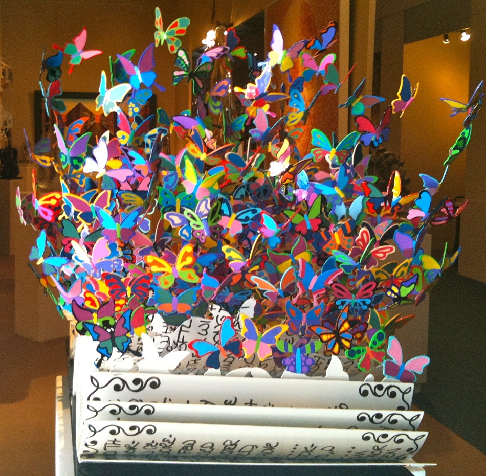 Regarding the start of Spring, and the colorful idea that the word reminds us, today I present the most colorful metal sculptures by David Kracov. Colorful metal sculptures Colorful metal sculptures by David Kracov img 4879