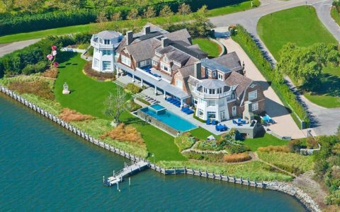 Water Mill, NY  MILLIONAIRE BEACH HOUSES IN THE HAMPTONS beach house 4 480x300