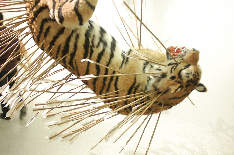 Cai Guo-Qiang was born in 1957 in Quanzhou City, Fujian Province, China, and lives and works in New York where he creates amazing sculptures. amazing sculptures Cai Guo-Qiang amazing sculptures in the best museums Cai Guo Qiang LEOPARD