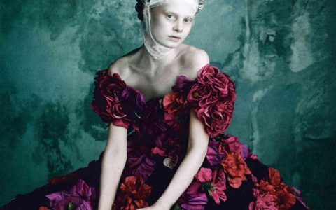 """Vogue Germany has dedicated a whole spread to the imaginary meeting of Dolce&Gabbana with queen Marie Antoinette in their April 2014 issue."""