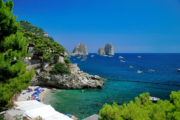"""Capri is an Island located in the Tyrrhenian Sea, in Italy.This is true paradise on hearth and for sure one of the best summer destinations for this year.""  Best summer destinations: Capri Island 10"