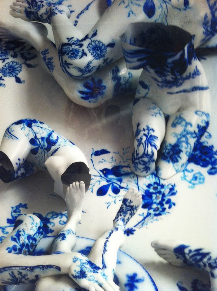 """""""Korean artist Kim Joon fabricates images of fragments of hollow porcelain that resemble nude bodies.""""  Kim Joon porcelain tattoos Joon Kim porcelain tattoos arts and crafts i lobo you5"""