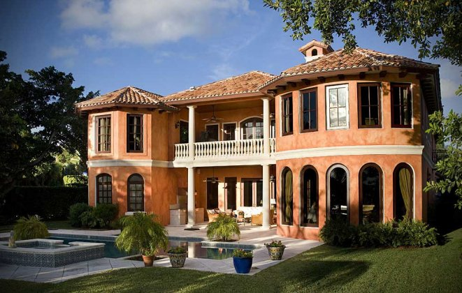 """""""So today we present you with Luxury Villas you should consider when visiting Miami Beach.""""   Luxury Villas in Miami Luxury Villas in Miami i lobo you4"""