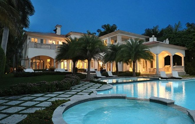 """""""So today we present you with Luxury Villas you should consider when visiting Miami Beach.""""   Luxury Villas in Miami Luxury Villas in Miami i lobo you5"""