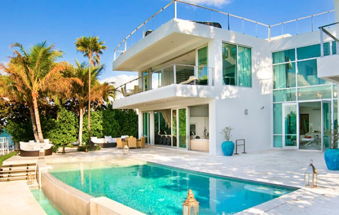 """""""So today we present you with Luxury Villas you should consider when visiting Miami Beach.""""   Luxury Villas in Miami Luxury Villas in Miami i lobo you6"""