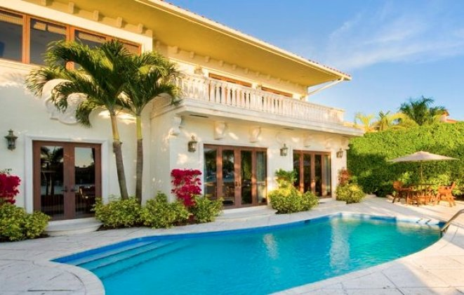"""""""So today we present you with Luxury Villas you should consider when visiting Miami Beach.""""   Luxury Villas in Miami Luxury Villas in Miami i lobo you8"""