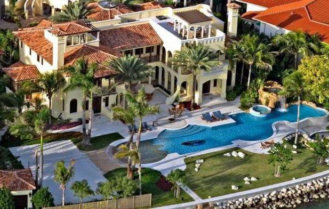 Outside  Luxury Villas in Miami Outside