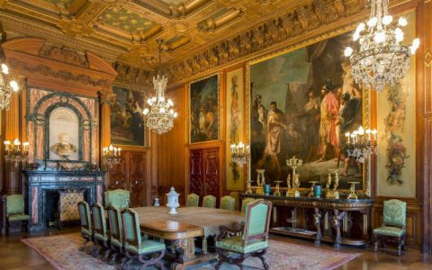"""""""Inspirational décor ideas from French renaissance furniture"""""""