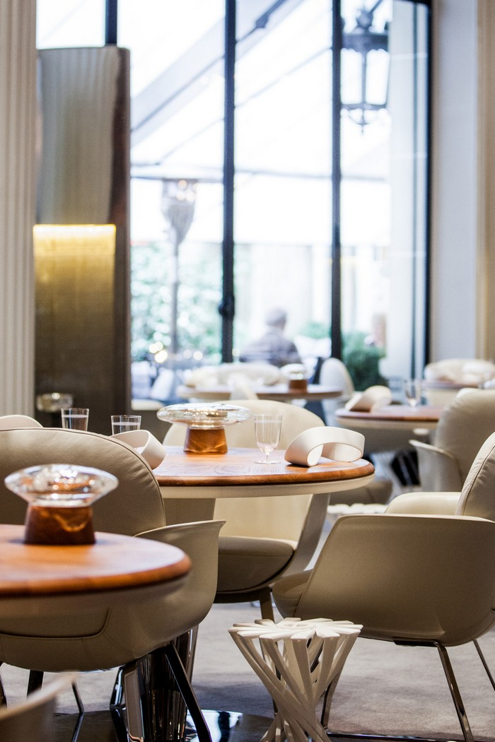 "The Shining ""Alain Ducasse au Plaza Athénée"" Restaurant in Paris   The Shining ""Alain Ducasse au Plaza Athénée"" Restaurant in Paris 1024883 1 z"