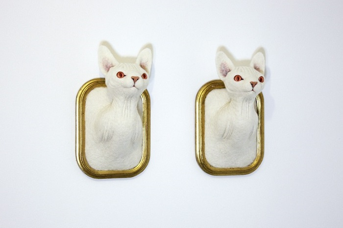 """""""Zoë Williams love for animals brought her to build these white and glittering needle felted wool sculptures, hanging on the wall like hunted trophies. """"  Incredible animal sculptures by Zoë Williams Incredible animal sculptures by Zo   Williams artists i lobo you4"""