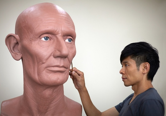"""""""Kazuhiro Tsuji is best known by his skills as a special-effects make-up artist in Hollywood, but this time, he created amazing sculptures with famous faces.""""  Kazuhiro Tsuji designs Hyper Realistic portraits Kazuhiro Tsuji designs Hyper Realistic portraits artists i lobo you11"""