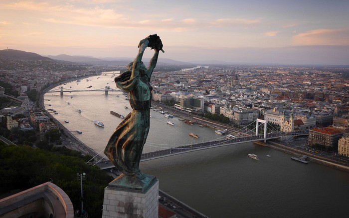 Worldwide Drone Photography by Amos Chapple  Worldwide Drone Photography by Amos Chapple drone budapest 3058352k