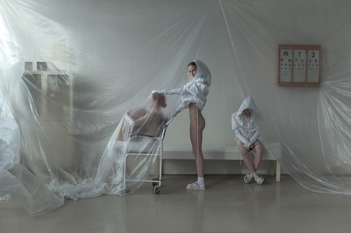 """""""Evelyn Bencicova is still shooting really amazing naked art photography check more of her photos."""" Art Photography Creative Art Photography by Evelyn Bencicova Creative Art Photography by Evelyn Bencicova artists i lobo you12"""