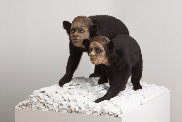 """""""This contemporary artist explores methods and materials that highlight illusionism of all forms to fool the viewers' eye.""""  Kate Clark contemporary animal sculptures Kate Clark contemporary animal sculptures artists i lobo you2"""