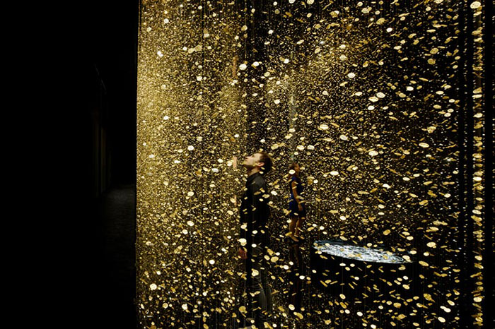 """""""The DGT Architects firm together with Japanese watchmaker CITIZEN, has created an amazing piece of installation art that breathes magic and life""""  Magical Golden installation with 65,000 watch baseplates  Magical Golden installation with 65000 watch baseplates artists i lobo you5"""