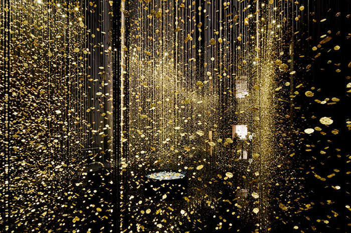 """""""The DGT Architects firm together with Japanese watchmaker CITIZEN, has created an amazing piece of installation art that breathes magic and life""""  Magical Golden installation with 65,000 watch baseplates  Magical Golden installation with 65000 watch baseplates artists i lobo you6"""