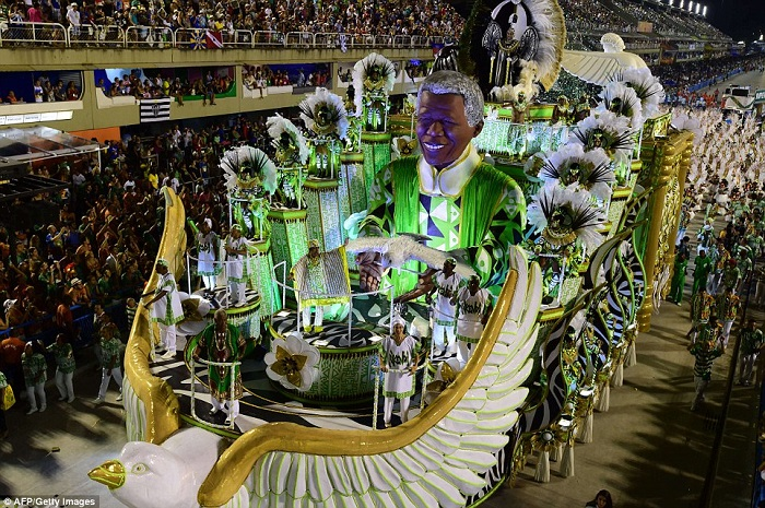 """""""This year, as always, Rio de Janeiro's Carnival last night ended as glittering as he should. Blaring music and scantily-clad dancers at the Sambadrome impressed the visitors."""" Brazilian Carnival The best of Brazilian Carnival 2015 The best of Brazilian Carnival 2015 performances i lobo you11"""