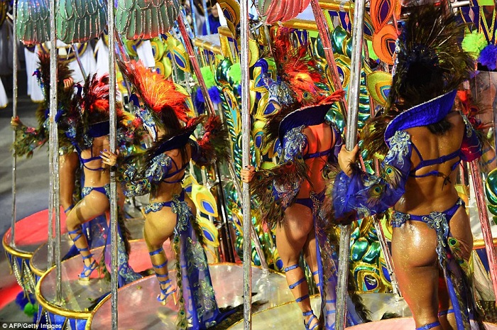"""""""This year, as always, Rio de Janeiro's Carnival last night ended as glittering as he should. Blaring music and scantily-clad dancers at the Sambadrome impressed the visitors."""" Brazilian Carnival The best of Brazilian Carnival 2015 The best of Brazilian Carnival 2015 performances i lobo you20"""