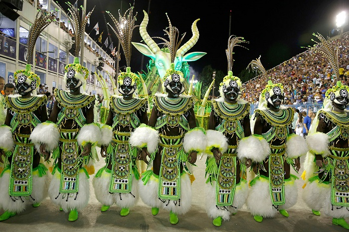 """""""This year, as always, Rio de Janeiro's Carnival last night ended as glittering as he should. Blaring music and scantily-clad dancers at the Sambadrome impressed the visitors."""" Brazilian Carnival The best of Brazilian Carnival 2015 The best of Brazilian Carnival 2015 performances i lobo you22"""