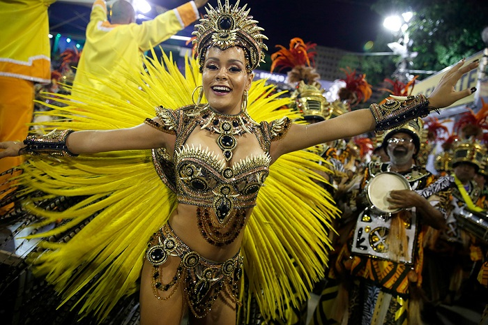 """""""This year, as always, Rio de Janeiro's Carnival last night ended as glittering as he should. Blaring music and scantily-clad dancers at the Sambadrome impressed the visitors."""" Brazilian Carnival The best of Brazilian Carnival 2015 The best of Brazilian Carnival 2015 performances i lobo you25"""