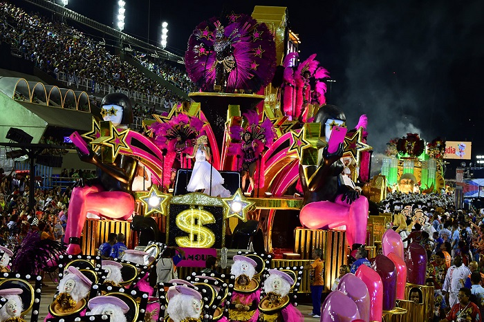 """""""This year, as always, Rio de Janeiro's Carnival last night ended as glittering as he should. Blaring music and scantily-clad dancers at the Sambadrome impressed the visitors."""" Brazilian Carnival The best of Brazilian Carnival 2015 The best of Brazilian Carnival 2015 performances i lobo you27"""