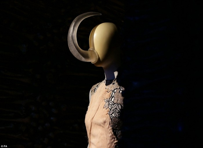Alexander McQueen: Savage Beauty- V&A Museum  Alexander McQueen: Savage Beauty- V&A Museum 26915F9200000578 2991460 image a 19 1426162549790