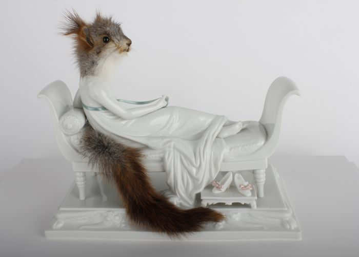 """""""Atelier Les deux garçons frequently present animal sculptures witht deer, lambs, piglets and other animals as siamese twins or multiples.""""  Atelier Les deux garçons taxidermed sculptures Atelier Les deux gar  ons taxidermed sculptures artists i lobo you8"""
