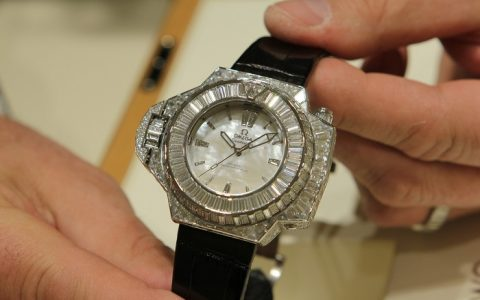 Omega 40-Carat Diver Watch presented in Baselworld 2015 Omega 40 Carat Diver Watch presented in Baselworld 2015 limited edition world i lobo you 480x300