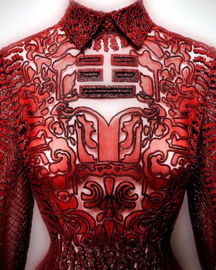 """China: Through the Looking Glass""  Met's New Exhibition  ""China: Through the Looking Glass""  Met's New Exhibition china 03 evening dress valentino shanghai 2013"
