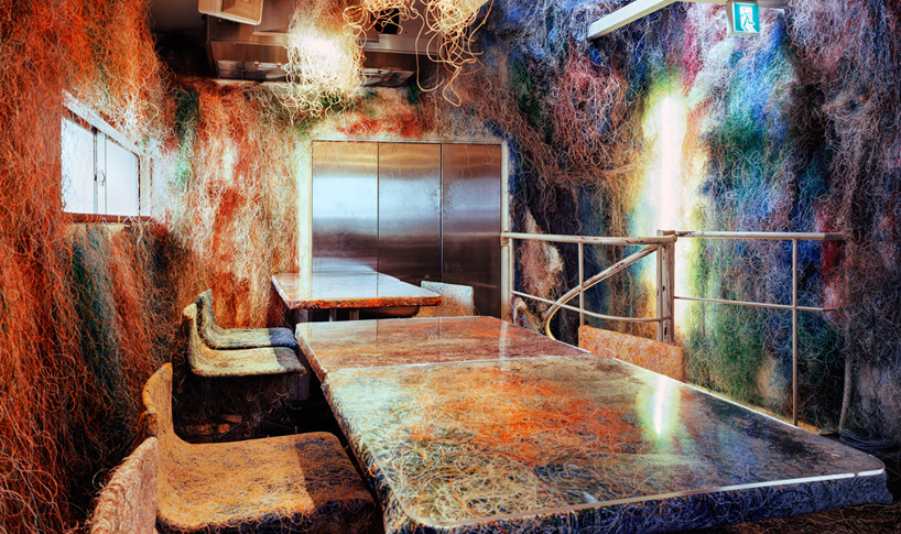 Kengo Kuma converts Tokyo Bar into Explosion of Colors  Kengo Kuma converts Tokyo Bar into Explosion of Colors kengo kuma tetchan restaurant interior tokyo japan designboom 01