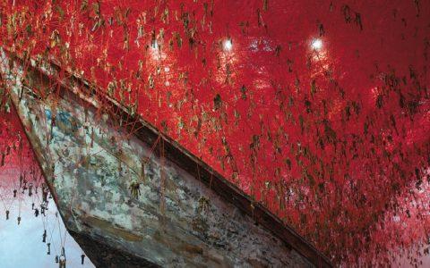 hiharu Shiota Red Maze Art Instalation at 2015 Venice Art Biennale