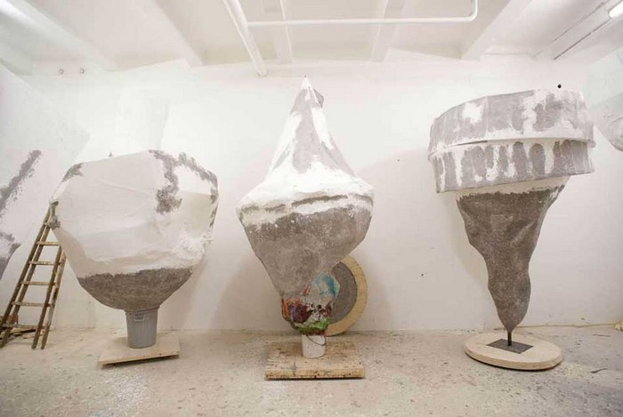 """""""Franz West born in Vienna has been a fixture in countless international survey exhibitions over the world, and it is included in major public collections.""""  Contemporary sculptures by Franz West Contemporary sculptures by Franz West artists i lobo you10"""