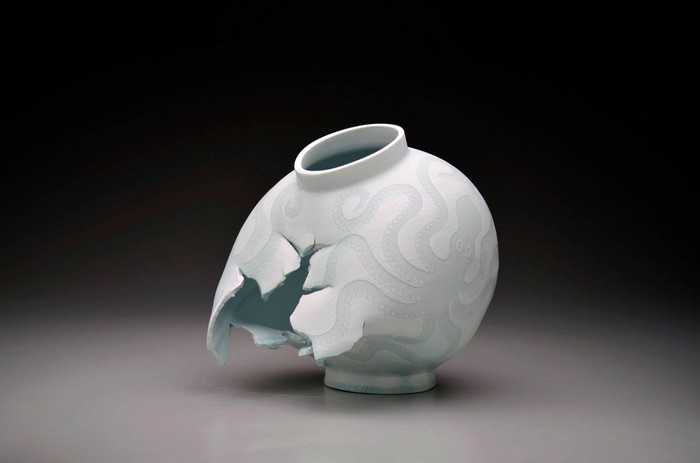 Steven Young Lee Is A Ceramic Artist That Creates A Diversified Types Of Ceramics