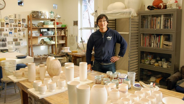 """""""Steven Young Lee is a ceramic artist that creates a diversified types of ceramics, from broken vases to sculptural pieces."""" Ceramic arts Ceramic arts by Steven Young Lee Ceramic arts by Steven Young Lee artists i lobo you9"""