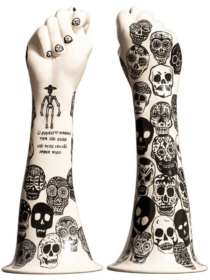 """""""Evelyn Tannus is a Brazilian artist that paints beautiful surface designs on elegant ceramic.""""  """"Tattooed"""" Ceramics by Evelyn Tannus Tattooed Ceramics by Evelyn Tannus Artists I Lobo you2"""