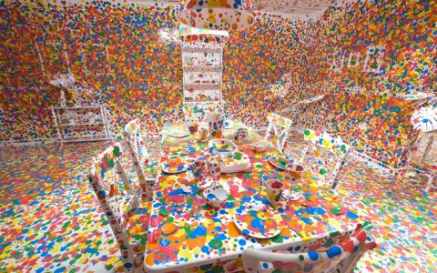 """Yayoi Kusama is a Japanese artist provocative with hallucinatory paintings of loops and dots.""  The dot obsession by Yayoi Kusama The dot obsession by Yayoi Kusama artists I Lobo you 480x300"