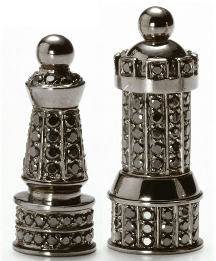 Renowned French artist and master of jewelry, Bernard Maquin created the Royal Diamond Chess which is the most expensive chess set. MOST EXPENSIVE CHESS SET MOST EXPENSIVE CHESS SET IN DIAMONDS MOST EXPENSIVE DIAMOND CHESS SET Limited edition I Lobo you4