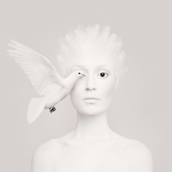 Flora Borsi is a young fine art photographer from Hungary forming a likeness between the animal kingdom and the human form.  Flora Borsi Flora Borsi combines human body with animals Flora Borsi combines human body with animals artists I Lobo you2