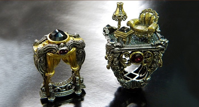 There are many jewelry designers known and there are always news ones trying to make their way to success, those are emerging jewelry designers you should know.