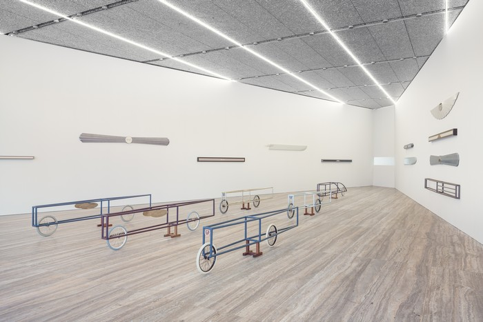 Piacentino is an Italian artist that deserved the recognition for all the artworks created since 1965. Fondazione Prada Gianni Piacentino art at Fondazione Prada Gianni Piacentino art at Fondazione Prada galleries I Lobo you4