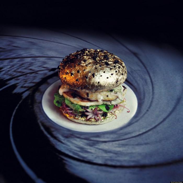 Fat & Furious Burger meet the project- artists I Lobo you12 Fat & Furious Burger Fat & Furious Burger: meet the project Fat Furious Burger meet the project artists I Lobo you12