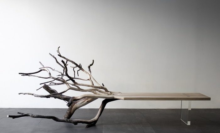 Born in 1980, Benjamin Graindorge is one of the young talents of French design. One of his favorite creations is the sculptural wood bench.