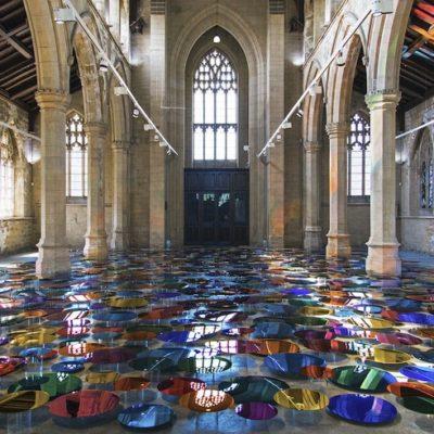 British artist Liz West filled with Luminous Art a Curch transforming it into an artistic church.