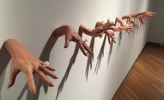Misty Gamble's work is inspired by the human figure and its infinite capacity for communication. Some of her creations consist in creepy sculptures.