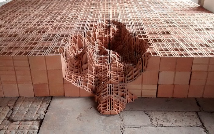 Andrey Zignnatto artworks are amazing brick sculptures, exposing bricks in an artistic way that people usually don't imagine. brick sculptures Amazing brick sculptures by Andrey Zignnatto Amazing brick sculptures by Andrey Zignnatto artists I Lobo you3