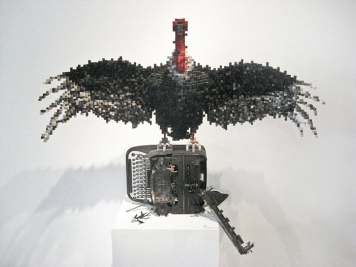animal sculptures Pixelated animal sculptures by Shawn Smith Pixelated animal sculptures by Shawn Smith arts and crafts I Lobo you12
