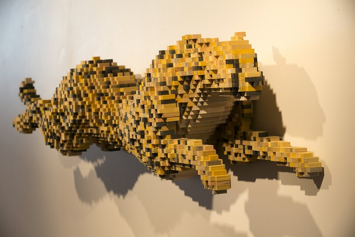 Pixelated animal sculptures by Shawn Smith- arts and crafts I Lobo you8 animal sculptures Pixelated animal sculptures by Shawn Smith Pixelated animal sculptures by Shawn Smith arts and crafts I Lobo you8