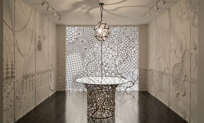 David Wiseman, draws upon traditions of time-honored craftsmanship and experimentation of contemporary design methods to create an inspiring interior design.